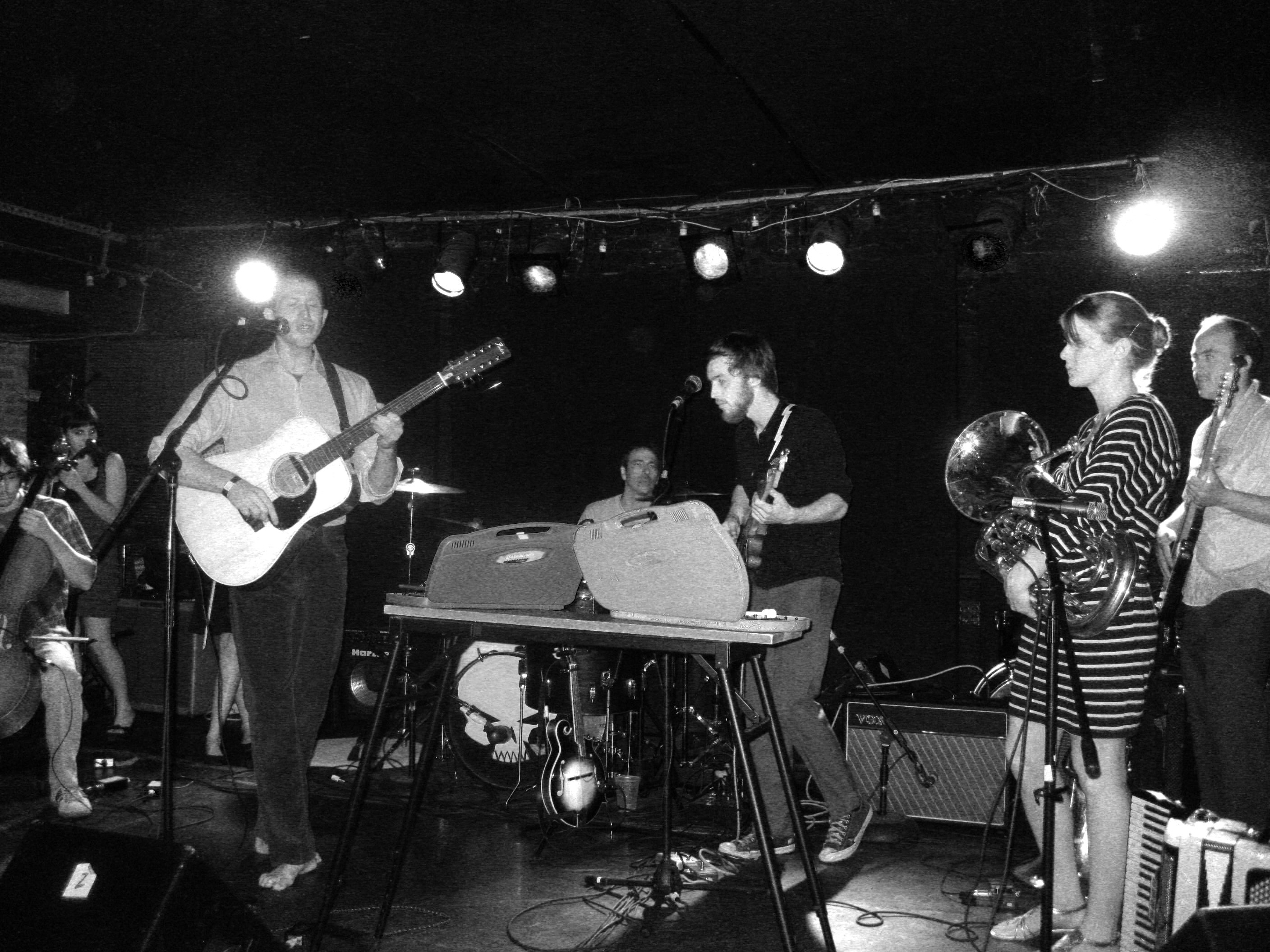 4 27 09 Lost In The Trees Mercury Lounge 95 100